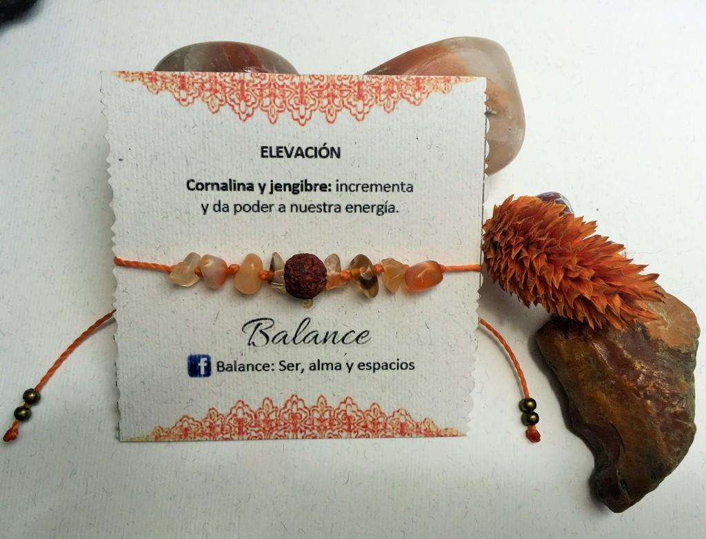 Pulsera ajustable con cuarzos de cornalina y piedra volcánica hilo anaranjado