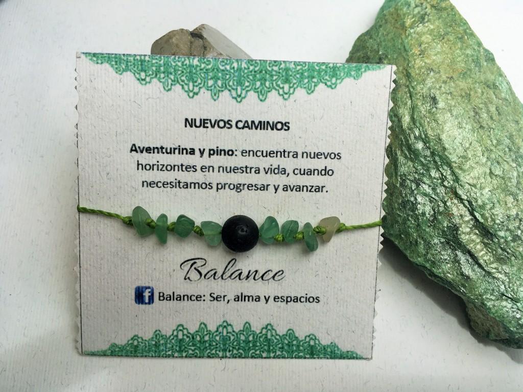 Pulsera ajustable, cuarzo cornalina, hilo color verde