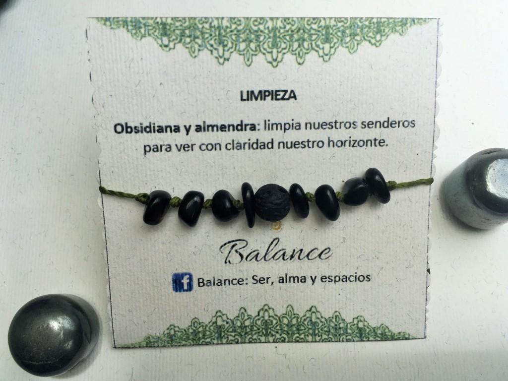 Pulsera ajustable con piedra de obsidiana, piedra volcánica, hilo negro